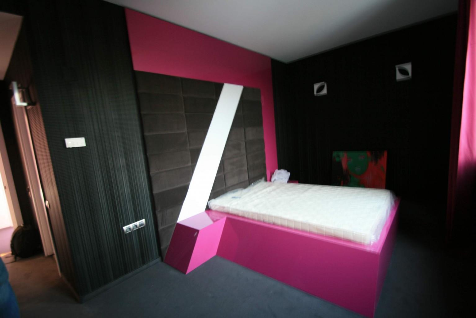 camera hotel plaza design placare mobilier hpl tapiterie plexiglas