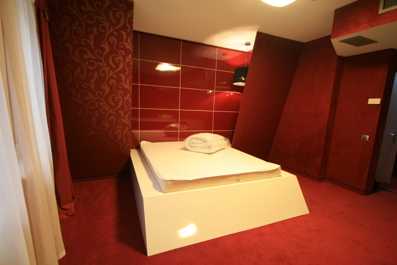 camera design hotel plaza hpl lucios placare pereti tapet pe pal