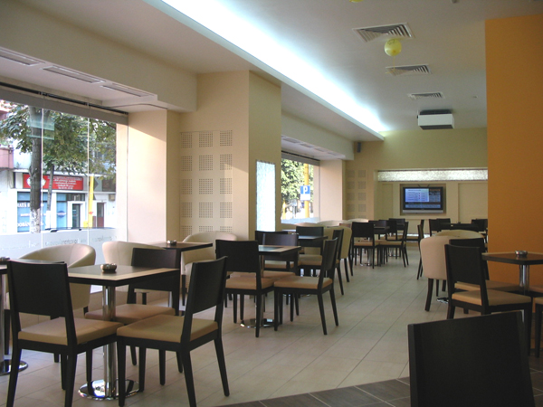 bt-cafe-constanta-mobilier-din-pal-melaminat-si-inox-placari-de-pereti-cu-plexiglas-folie-decorativa-iluminat-cu-neoane-lampi-decorative-din-plexiglas-iluminat