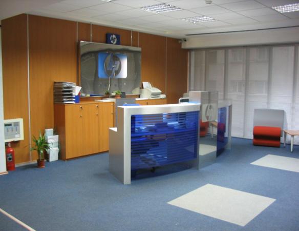 hp-mobilier-office-receptie-pal-melaminat-insertii-de-plexiglas-placari-pereti-cu-hpl