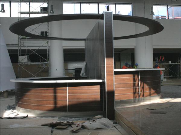 material-compozit-corian-placare-curba-melamina-plexiglass-bar-liberty-mall1
