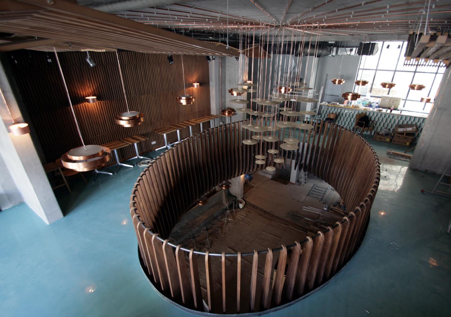 Atipic-balustrada, placari pereti si tavane furnir -cafenea Hermes