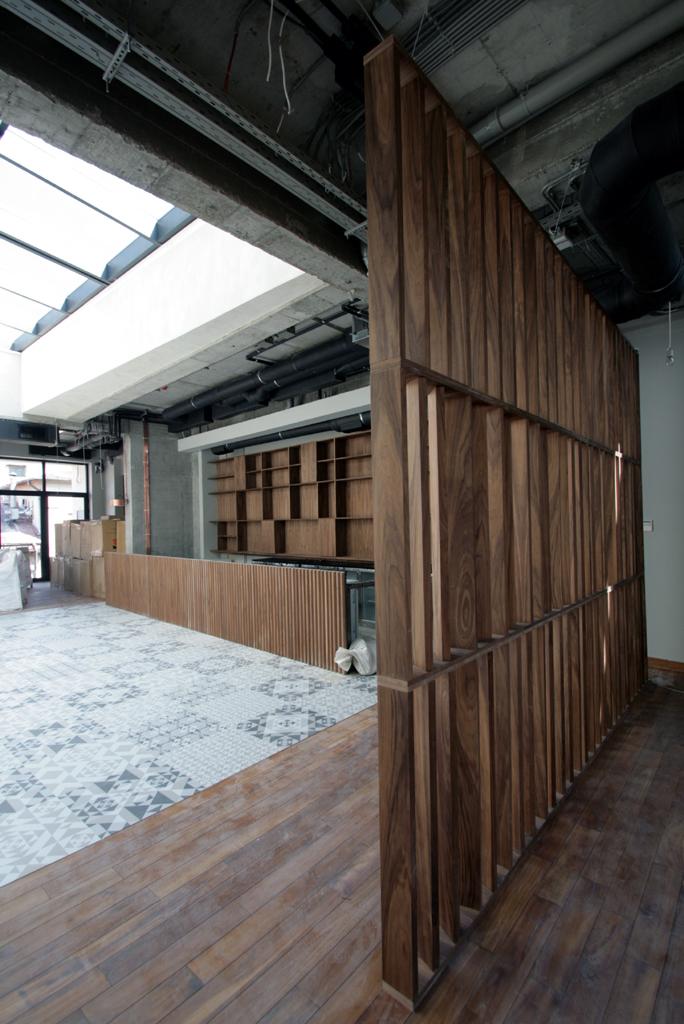 Atipic-mobilier furnir -cafenea Hermes