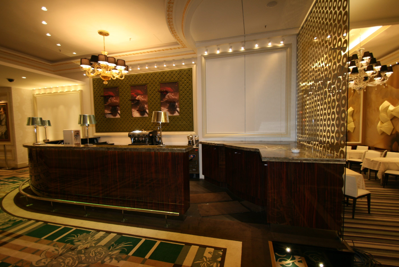 Grand Casino Marriott Bucuresti Bucharest placari pereti rame receptii usi bar bufet167