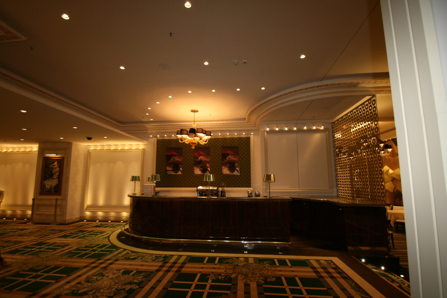 Grand Casino Marriott Bucuresti Bucharest placari pereti rame receptii usi bar bufet180