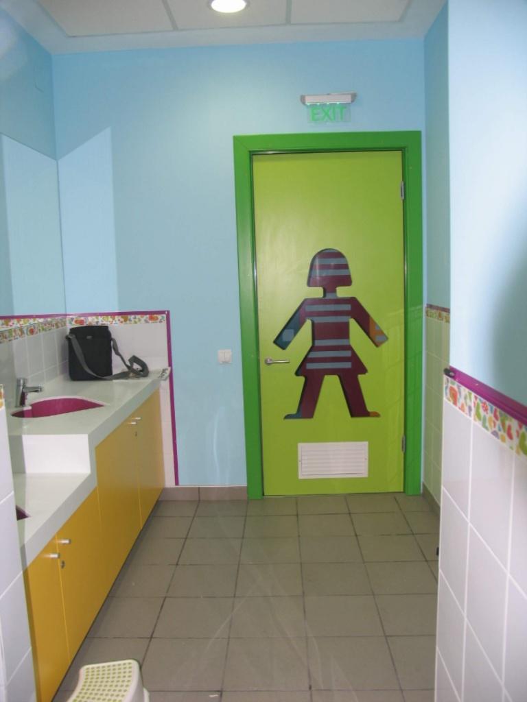 kiddo mobilier spatiu joaca copii lego hpl compact usi chiuvete corian007