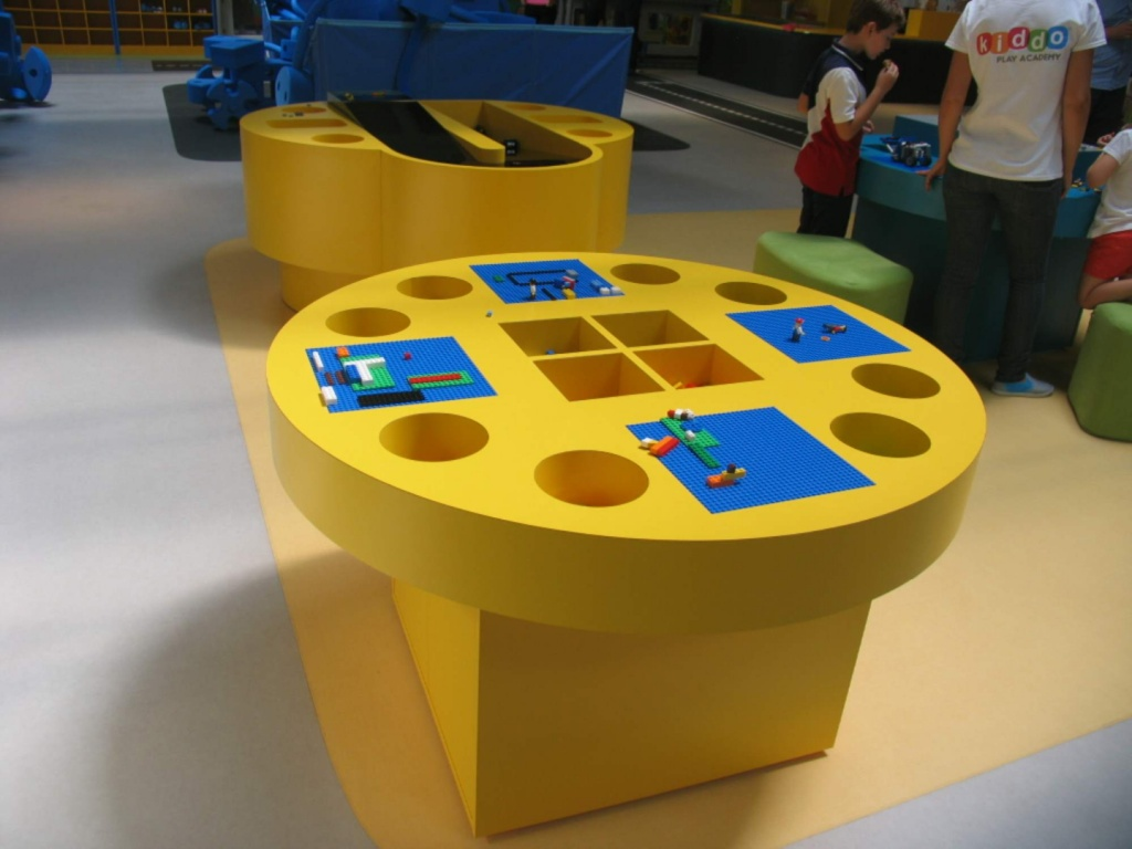 kiddo mobilier spatiu joaca copii lego hpl compact usi chiuvete corian011