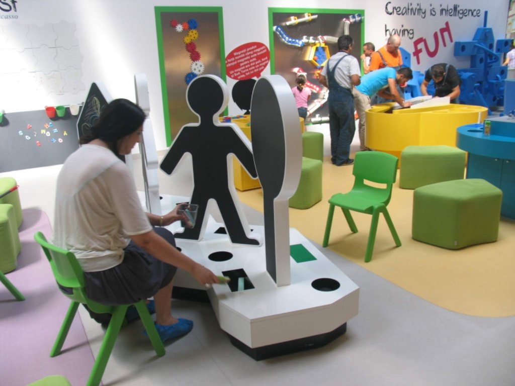 kiddo mobilier spatiu joaca copii lego hpl compact usi chiuvete corian015
