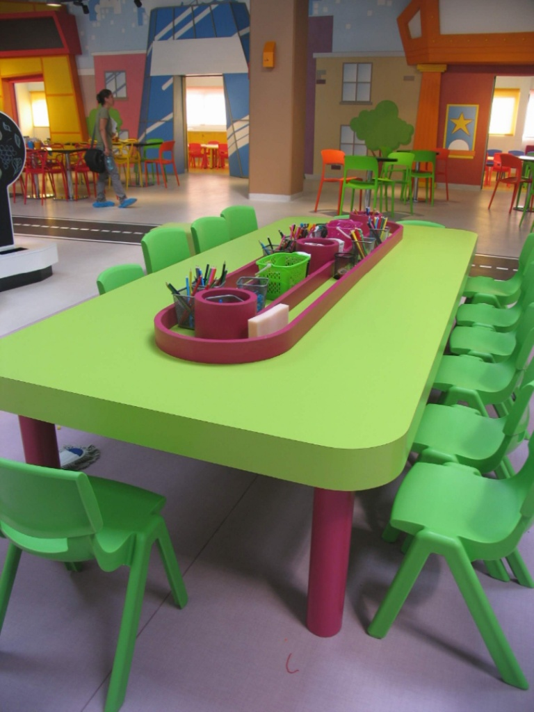 kiddo mobilier spatiu joaca copii lego hpl compact usi chiuvete corian020