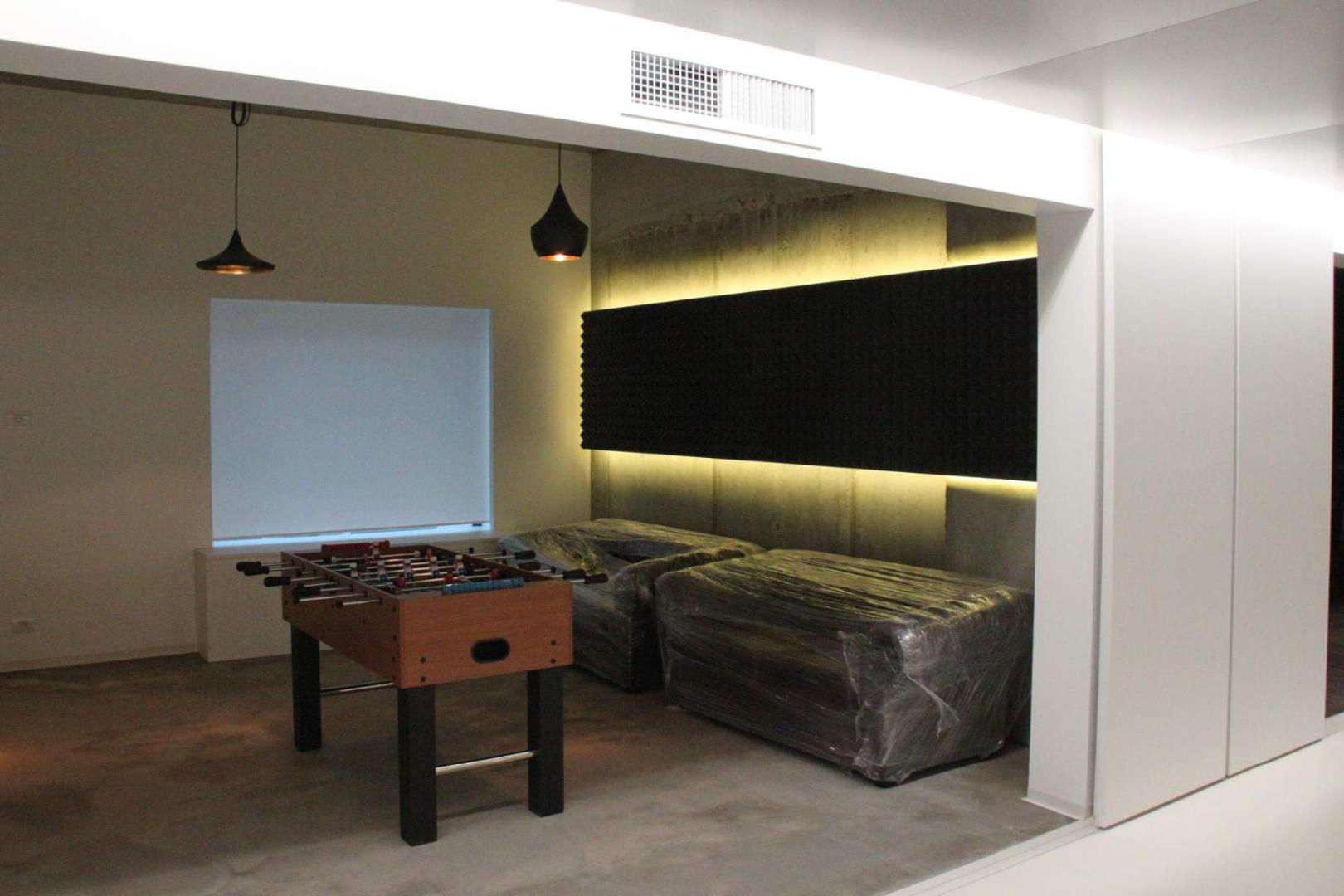 Art cafe mobilier horeca cafenea -lacari lemn masiv furnir bar scaune mese059