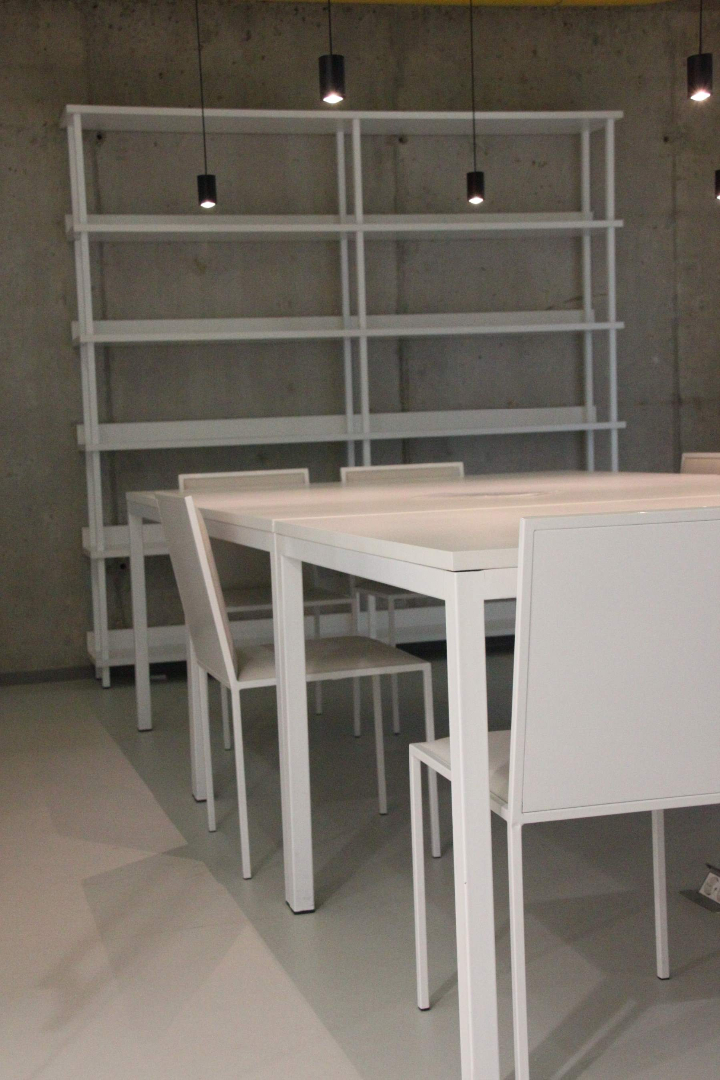 biblioteca west gate mobilier rafturi mese scaune placari grupuri sanitare021