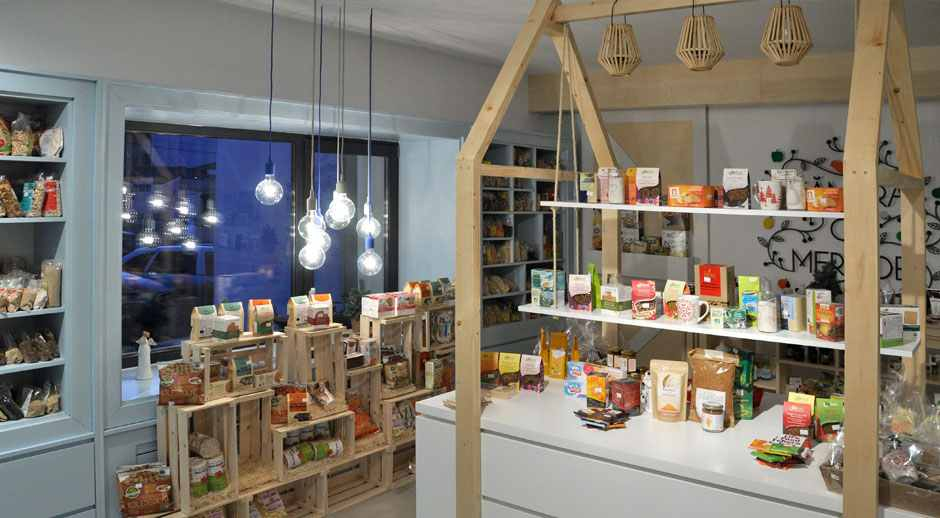 camara cu merinde mobilier mdf vopsit lemn masiv furnir amenajare magazin constanta012