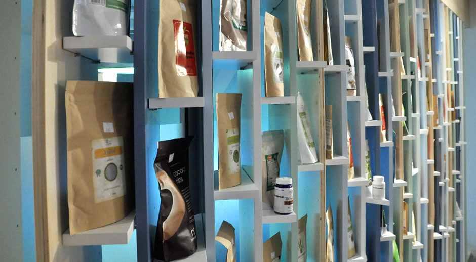 camara cu merinde mobilier mdf vopsit lemn masiv furnir amenajare magazin constanta014